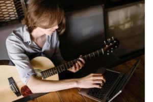 Which is the Best Gear For Online Music Lessons? - Score Short Reads